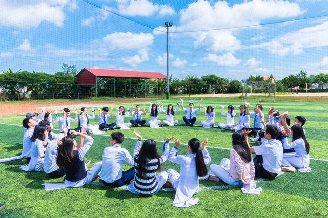 karakteristik manajemen sekolah