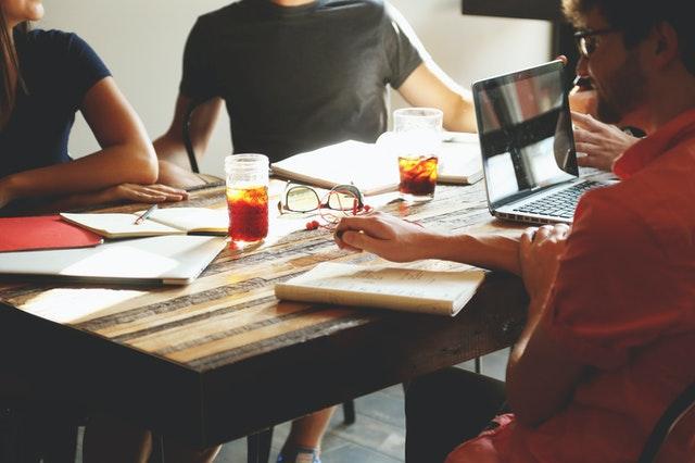 fungsi manajemen Coordinating