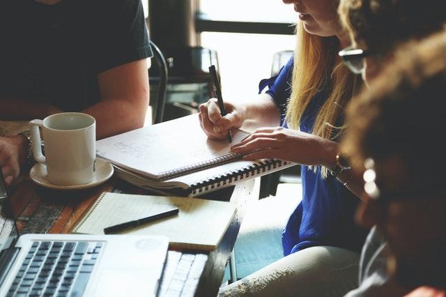 fungsi manajemen Staffing