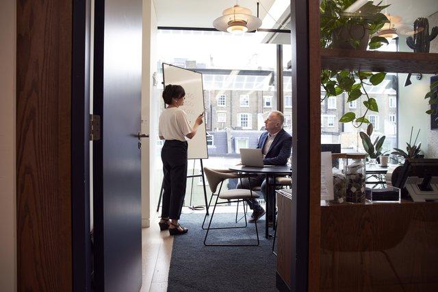 definisi konsultan manajemen